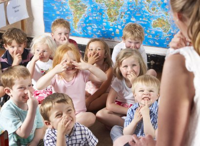 Attention signals for young learners