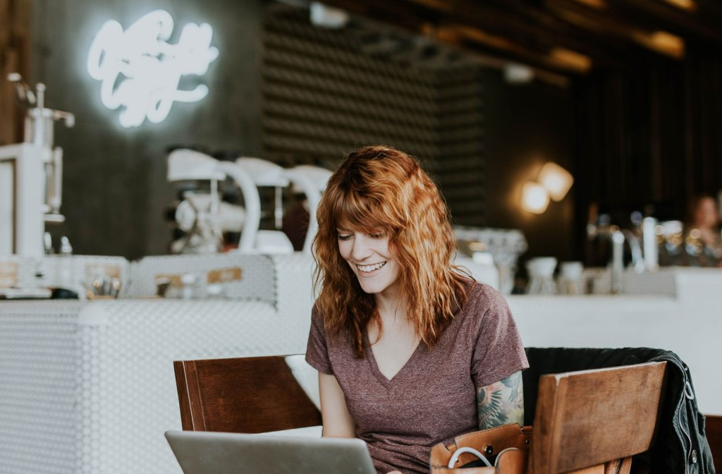 How to go freelance as an EFL teacher (and the pros and cons of it!)